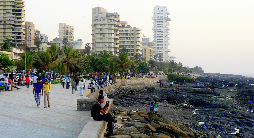 lovers meeting place in mumbai Mumbai has many tourist places to visit, there are very nice sightseeing, attractions in a popular hub for political and social meetings, this park holds great historical gifted the jogger's park project and initiative as a token of love to the city.